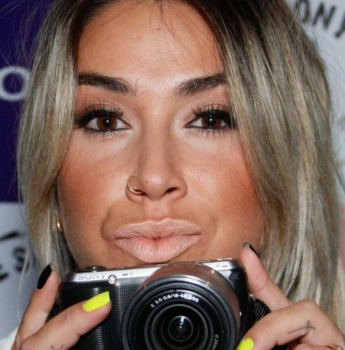 erros-de-maquiagem-das-famosas---dani-bolina-1347492924087_750x500